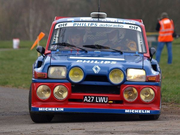 800px_Renault_5_Maxi_Turbo___Race_Retro_2008_01