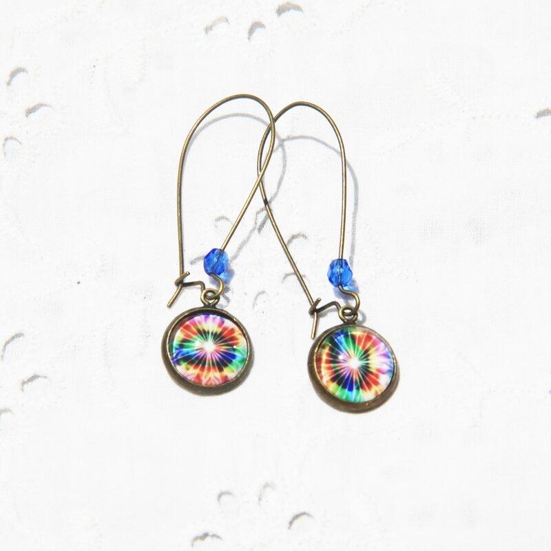 zoe 39 boucles d'oreilles longues pendantes dormeuses cabochon arc en ciel multicolore bijoux colorés par louise indigo (2)