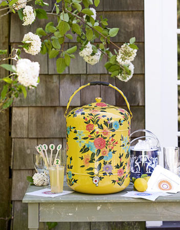 Outdoor_Party_Supplies_floral_thermos_0710_de