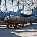 Musée Aéronautique d'Orange: France - Navy: Vought F-8E(FN) Crusader: 8: MSN 1225.