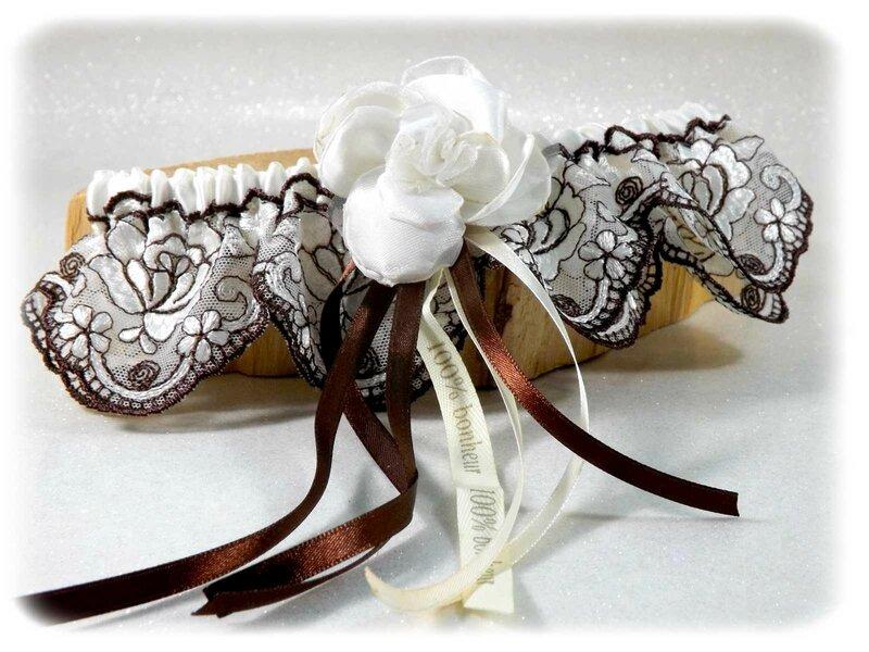 Jarretière de mariée ivoire marron chocolat dentelle de Calais