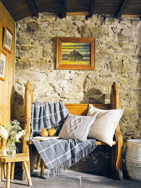 Graham thatched cottage bench and soft furnishings (1)