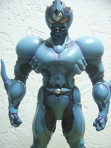 Guyver_12inch_special_with_comics1