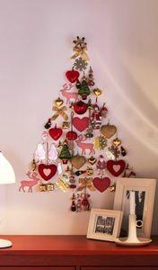 wall-christmas-tree-ideas-12