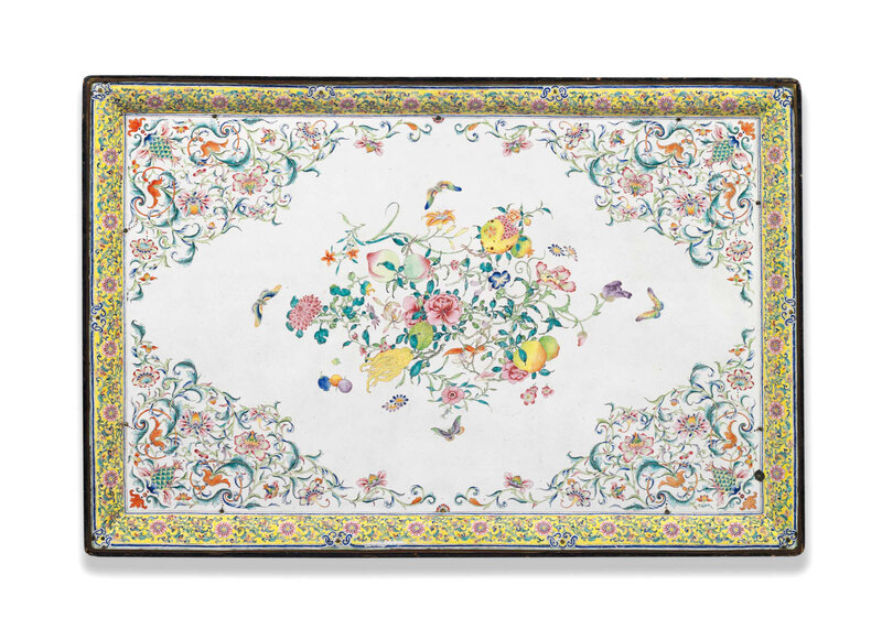 2016_CKS_12975_0075_000(an_impressive_very_large_chinese_painted_enamel_tray_qianlong_period)