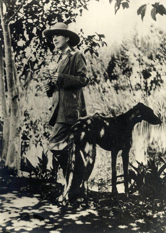 Karen Blixen with Dune, 1905