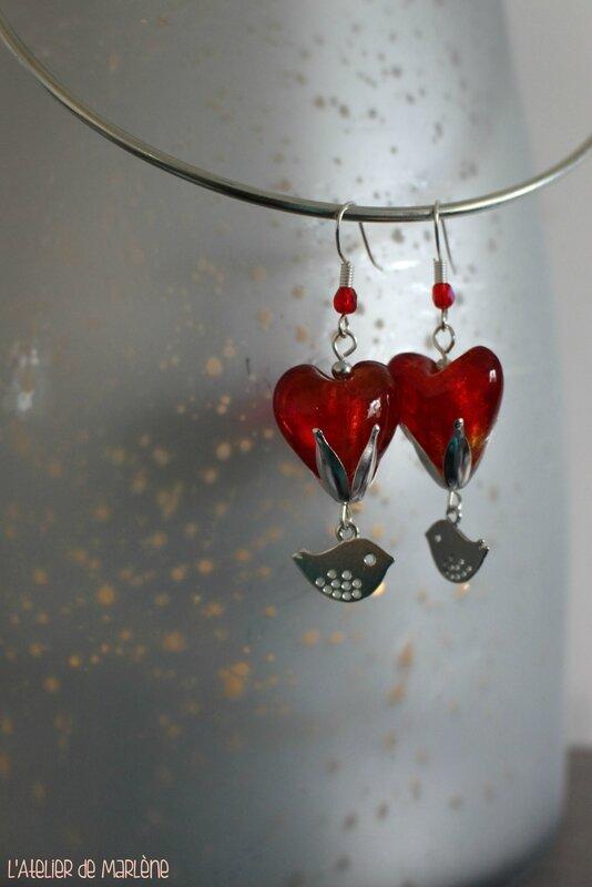 boucles d'oreille coeur rouge