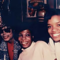 Michael jackson et les étudiants de harlem au big apple circus de new york, en 1989