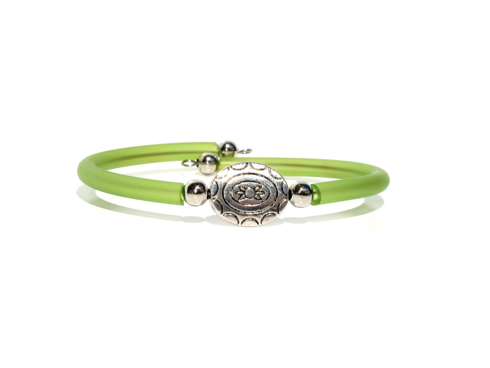 bracelet perle métal ovale gravée vert