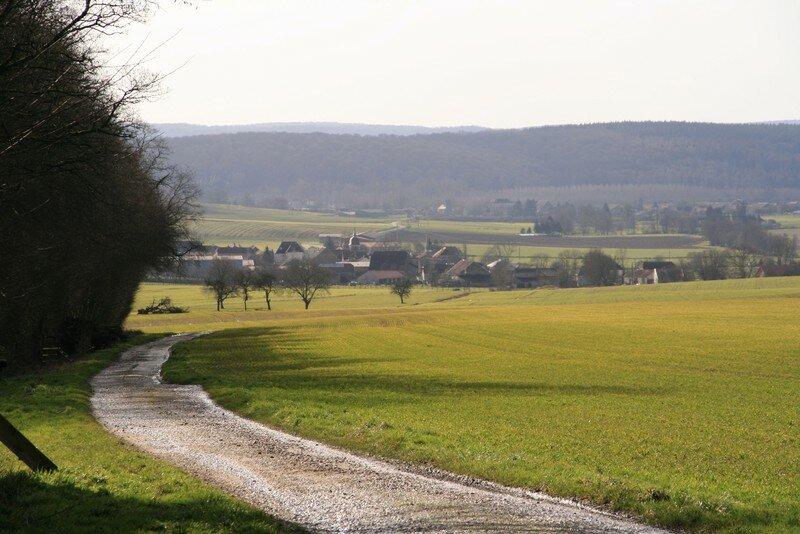 08. Le village ........ paisible