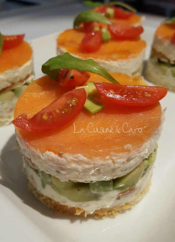 millefeuille_saumon_avocat_crabe_entree