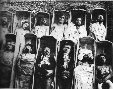 765px_Communards_in_their_Coffins