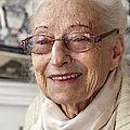 Raymonde chabrun (née en 1924) : émailleur sur lave