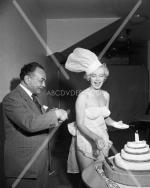 1952-miss_cheesecake-3