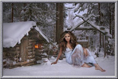 Assise dans la neige