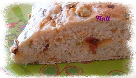 pain_aux_olives_anchois_et_tomates_s_ch_es_2