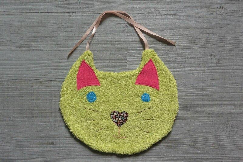 Bavoir Enora le chat (1)