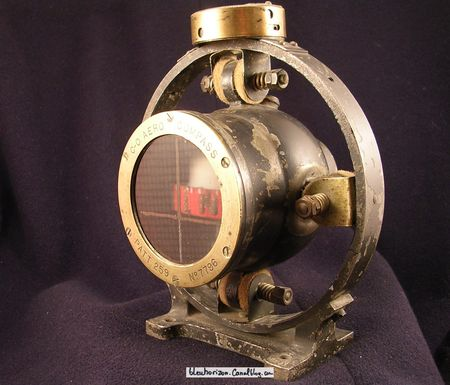 compas_d_avion_anglais___lecture_verticale_dat__1915_du_fabricant_Craigh_Osborne