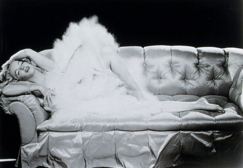 1957-05-06-NY-by_richard_avedon-05-TPATS-sitting_sofa_feathers-020-1b