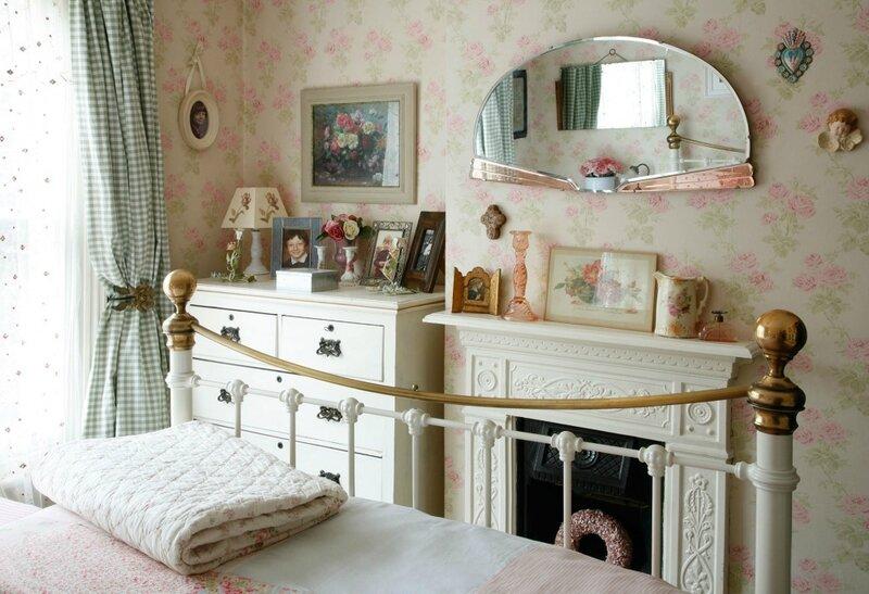 bedroom-2-1002x685