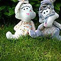 Deux doudous lapins