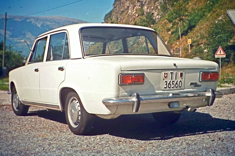 Fiat_124_S_in_Ticino,_ca__1972