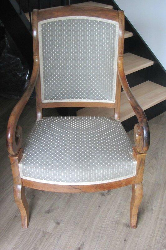 fauteuil retapissé côté sièges