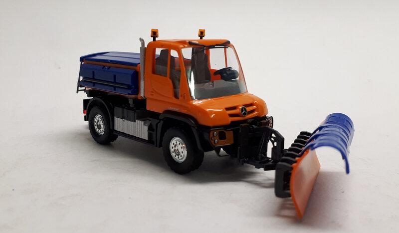#B66004131-Unimog U430 chasse neige (2)