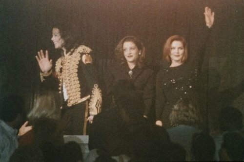 Lisa-Priscilla-and-Michael-Jackson-priscilla-presley-and-lisa-marie-presley-24678537-500-333