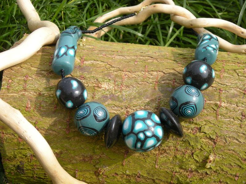 Collier série bleue