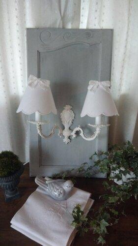 Appliquz double sur ancienne porte patinée de gris