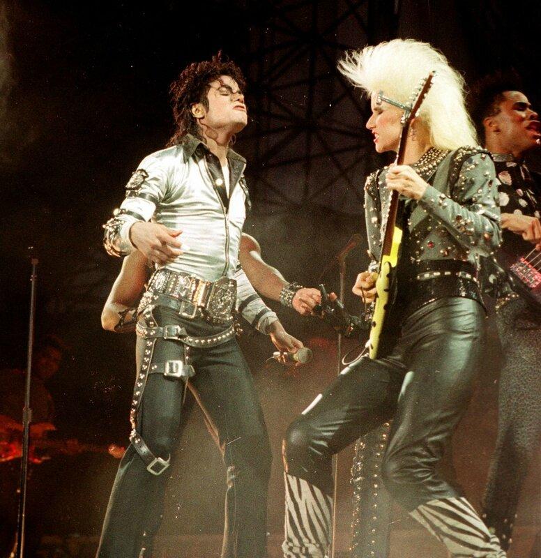 Michael-Jackson-Sheryl-Crow-993x1024