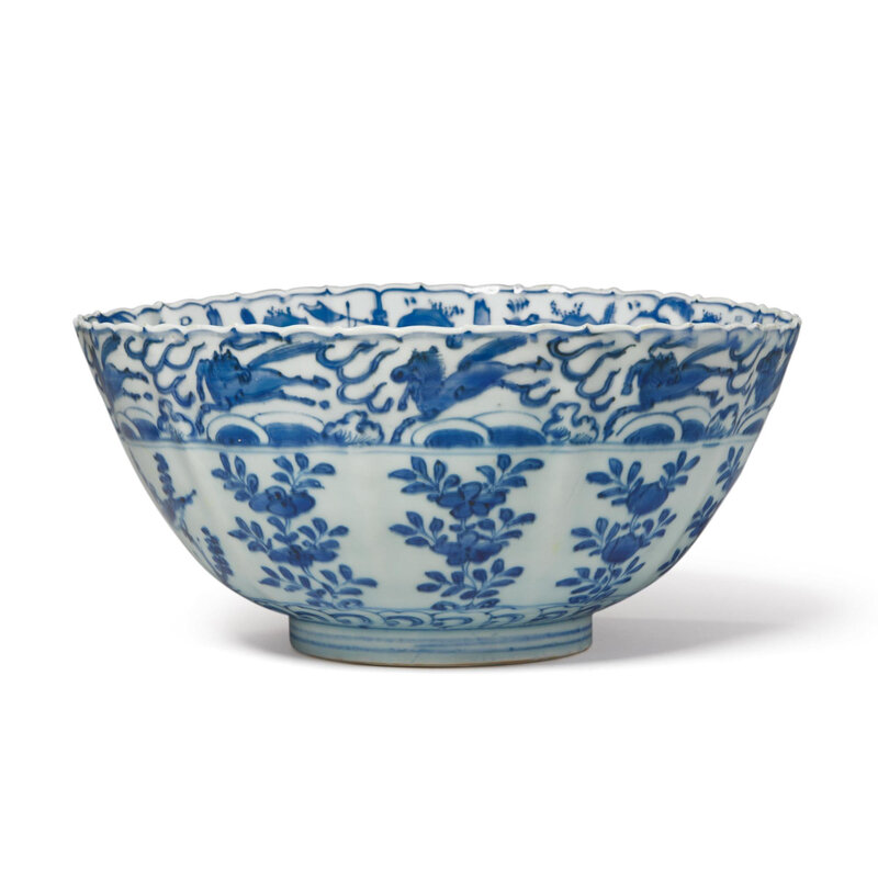 A blue and white 'bird and flower' barbed-rim bowl, late Ming dynasty
