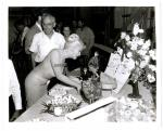 1960-06-01-on_set_LML-birthday_of_MM-022-1