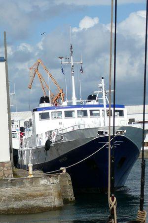 gros_bateau_bleu