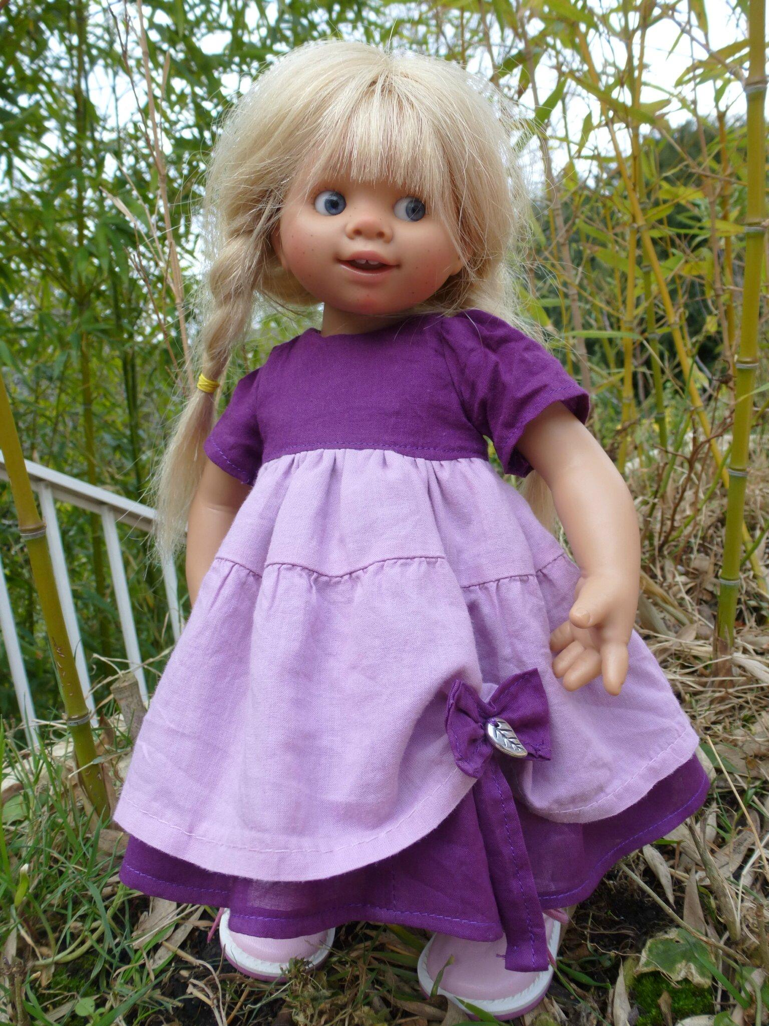 Robe rose et violette pour Wichtel ou petite Zwergnase, plus disponible..