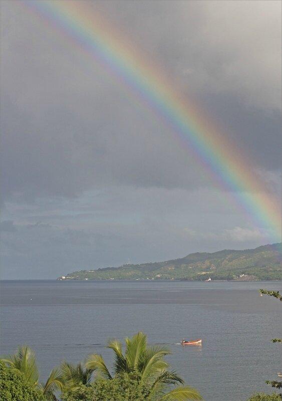 Martinique J7 600 101217 2 arc en ciel bateau