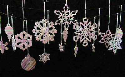 snowflakes_hanging1