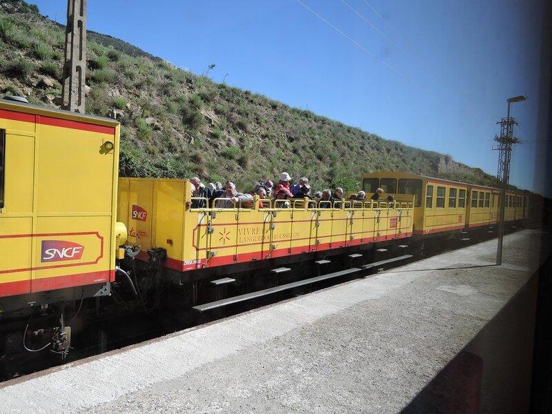 0302 Train Jaune 17 mai 2015
