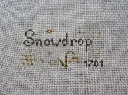 The Little Stitcher - Free Snowdrop