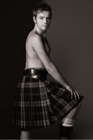 ewan_mcgregor_in_kilt