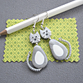 Boucles d'oreilles chat dodu gris/ blanc