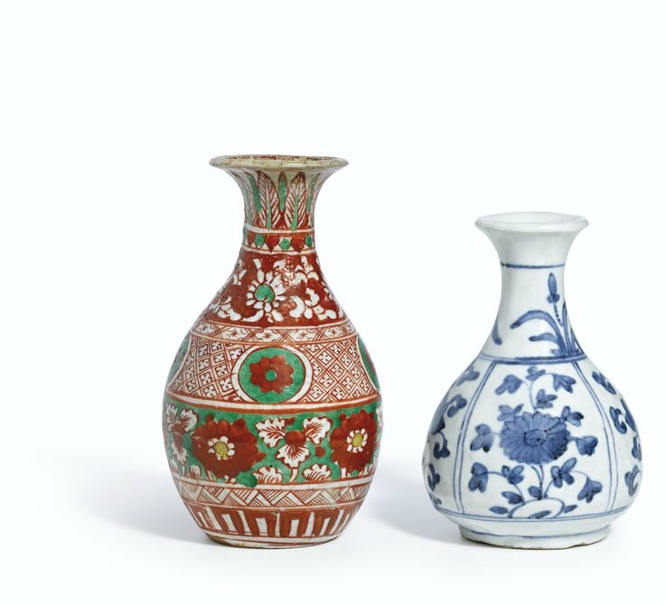 A blue and white bottle vase, Ming dynasty, 15th-16th century