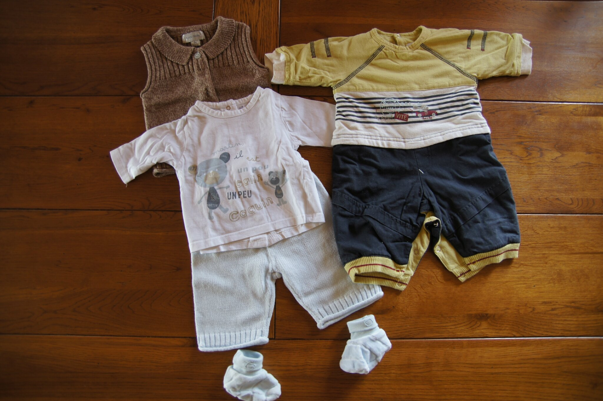 lot 4   divers vêtements en 1 mois   5 euros 529c05ce444