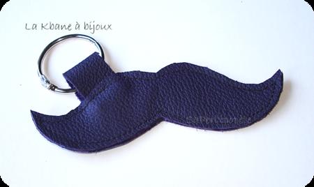 porte clef moustache cuir violet