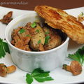 Cassolette de girolles au foie gras en croûte feuilletée