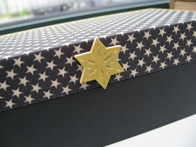 boite customisée étoiles