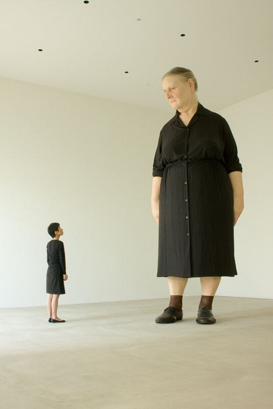 Ron Mueck standing woman