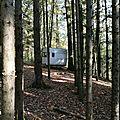 Les Bruyères, caravane dans les bois