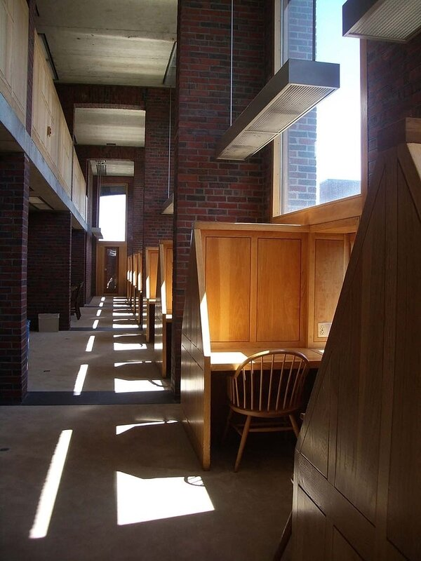 Phillips_Exeter_Academy_library_carrels_1